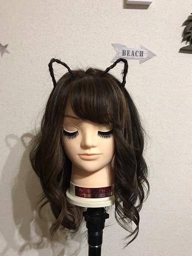 細い三つ編みで猫耳ヘアを作る