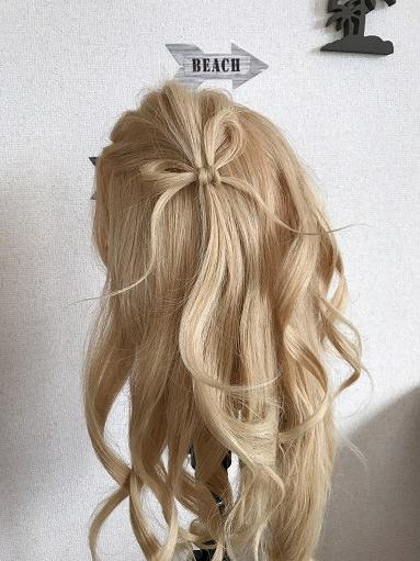 髪の毛でリボンを作る