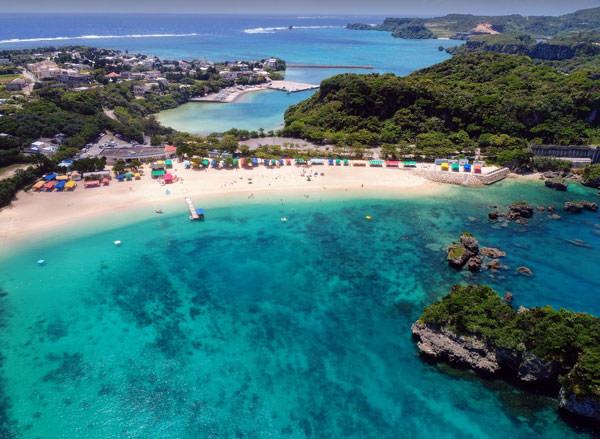 伊計島【沖縄】ビーチも遺跡も温泉も!車で行ける離島へ女子旅