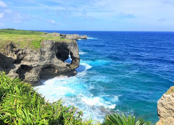 万座毛(まんざもう)沖縄本島を代表する景勝地を楽しむ女子旅