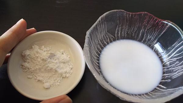 ベビーパウダー&牛乳のパック
