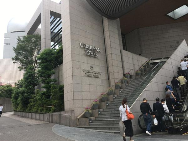 セルリアンタワー東急ホテル エスカレーター