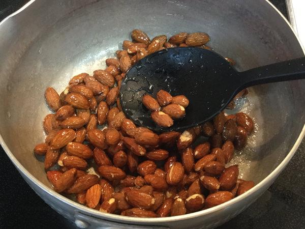004amand-almond