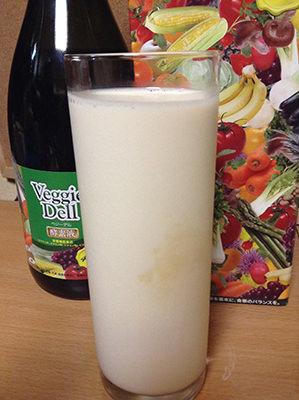 ベジーデル酵素液の牛乳割り