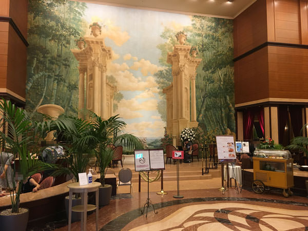 004d1hotel-lobby-lounge