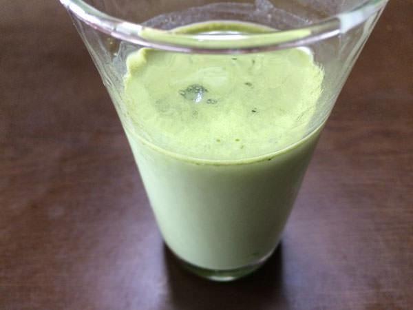 ファンケル青汁 本搾り青汁ベーシックを牛乳に混ぜてみた