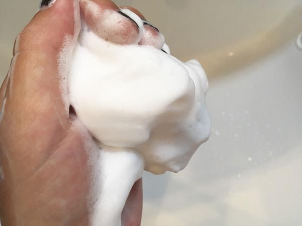 スキンライフ 薬用洗顔フォームの泡