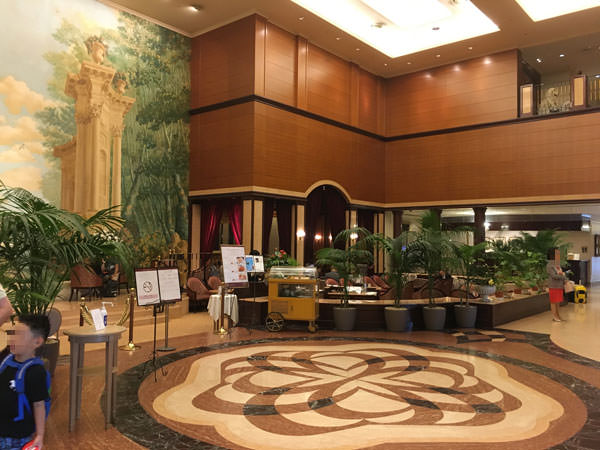 006d1hotel-lobby-lounge