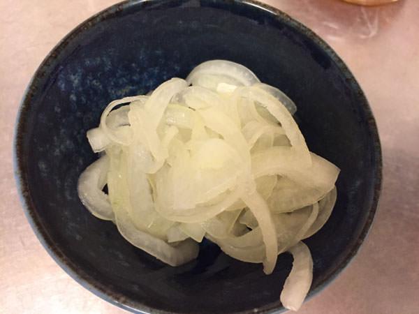 作った酢玉ねぎを食べてみた