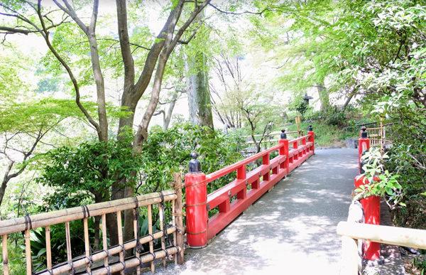 椿山荘の庭園 弁慶橋