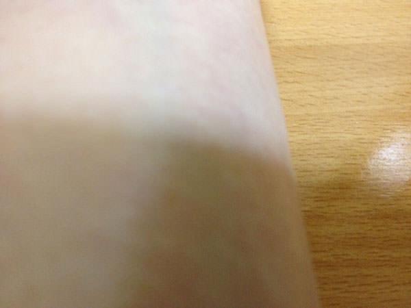 アプレシエ美容液を腕につける