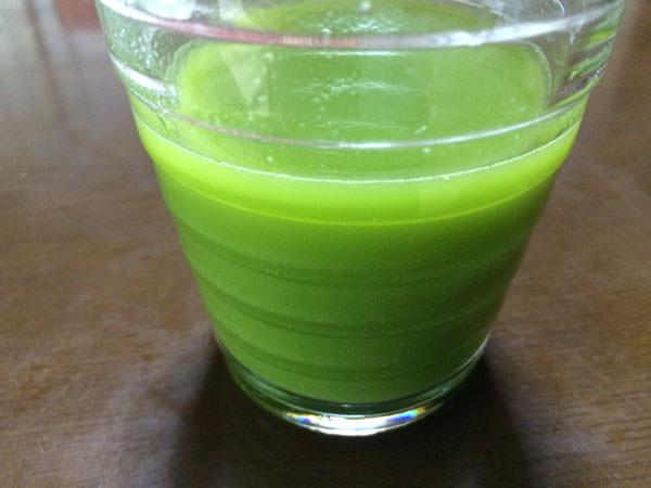 飲みごたえ野菜青汁を野菜ジュースに混ぜてみた
