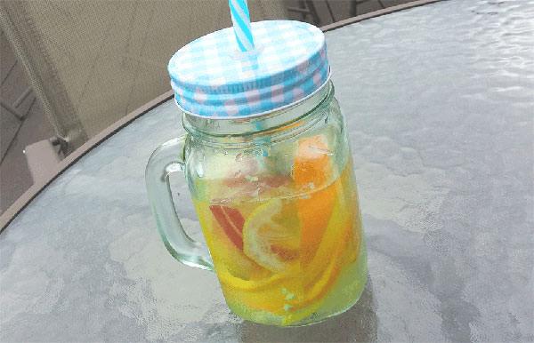 デトックスウォーターりんご・オレンジのレシピ
