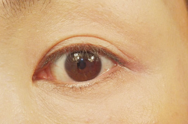 008glossy-rich-eyes