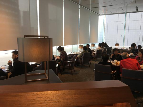 小田急ホテルセンチュリーサザンタワー ラウンジ「サウスコート」の店内