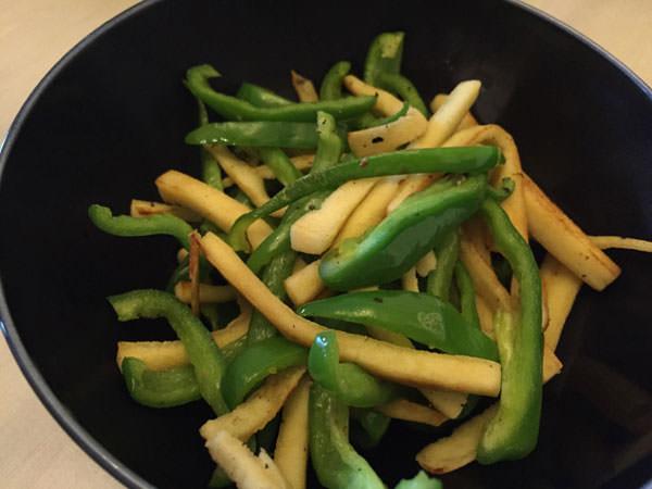 ダイエット料理レシピ5.高野豆腐とピーマンのごま油炒め