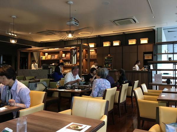 ホテル龍名館お茶の水本店「RESTAURANT 1899 OCHANOMIZU」店内