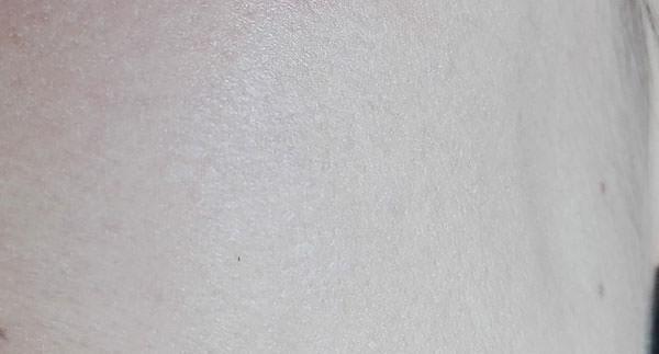 ホワイティシモ UVブロックミルキーフルイド塗布後