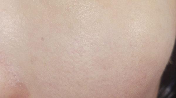 草花木 化粧下地 肌塗布後