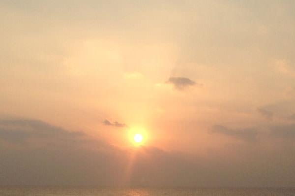 ニライカナイ橋と日の出