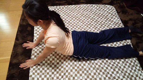 猫背を治す筋膜リリース