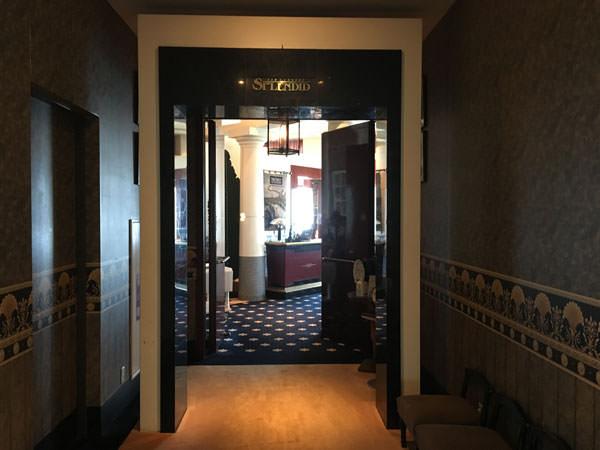 ホテルザ・マンハッタン ラウンジ「スプレンディド」の入り口