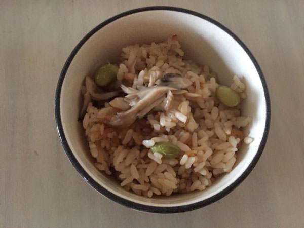 枝豆とまいたけの炊き込みご飯