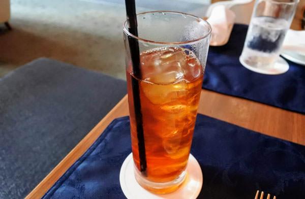ホテルオークラ福岡「ラウンジ&バー ハカタガワ」アフタヌーンティー アイスティー