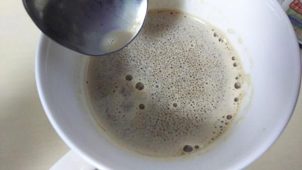 MCTオイル入りのミルクコーヒー