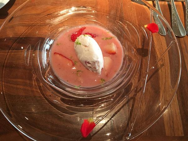 アフタヌーンセットプレデセール(いちごのスープ仕立て)
