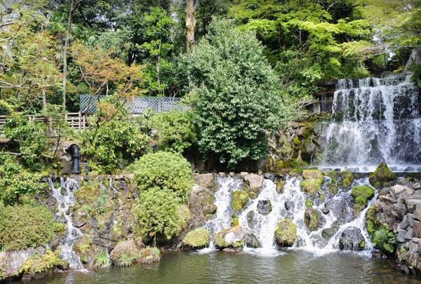 椿山荘の庭園 五丈滝