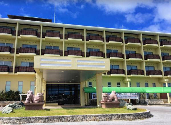 伊計島の奥にはリゾートホテルに温泉