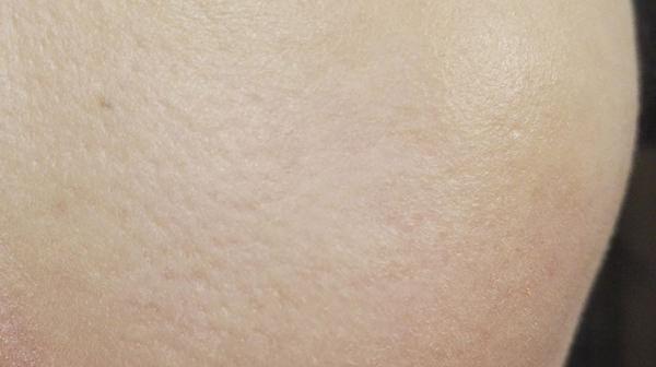 セザンヌ 皮脂テカリ防止下地のメイク後