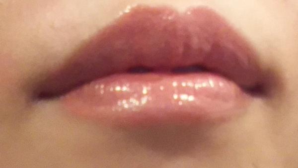 エトヴォスをつけた後の唇