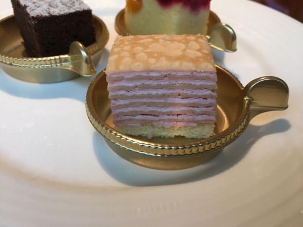 銀座東武ホテルフィオーレのいちごのミルフィーユ