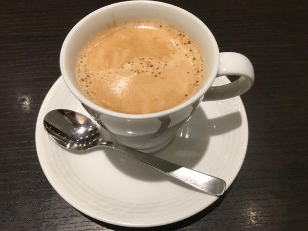 新宿ワシントンホテル ラウンジ「カフェ&バー バロン」コーヒー