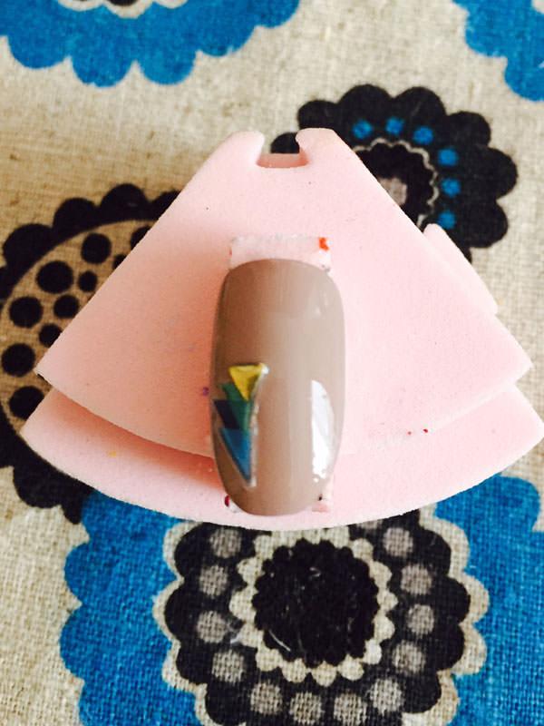 027peacock-nail