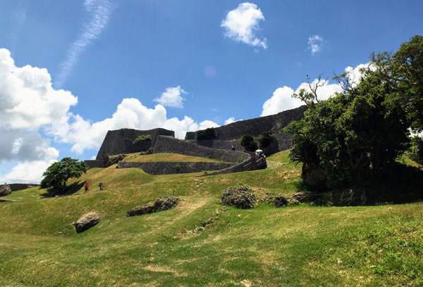 世界遺産、勝連城跡の女子旅