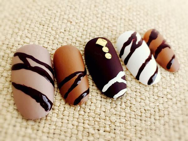 マットなチョコネイル