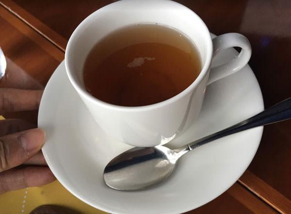 東京ドームホテル「アーティスト カフェ」アフタヌーンティー しょうが玄米茶