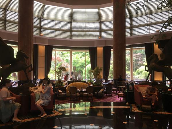 ウェスティンホテル東京「ザ・ラウンジ」店内の雰囲気