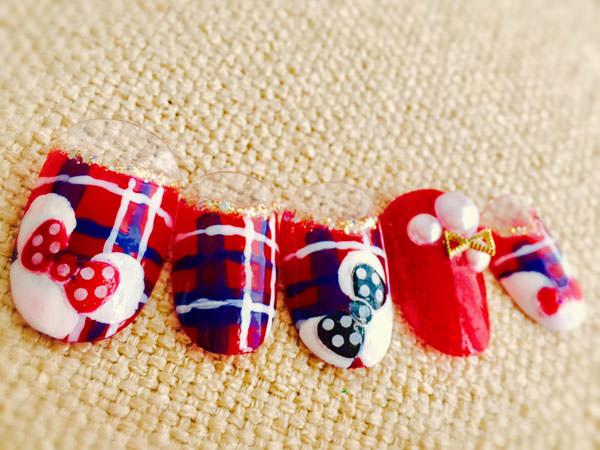 ミニーのクリスマスチェックネイル