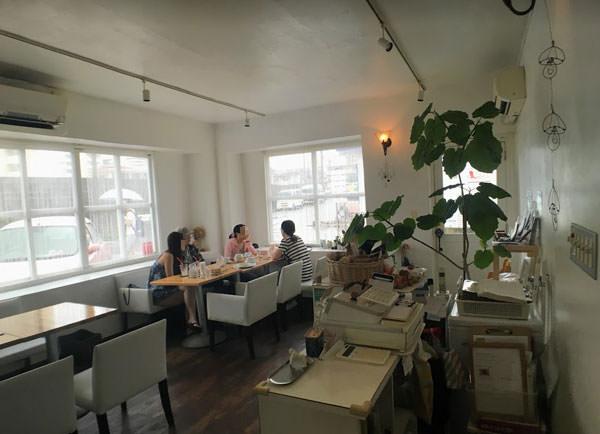 港川外人住宅には可愛いカフェ・レストランもたくさん