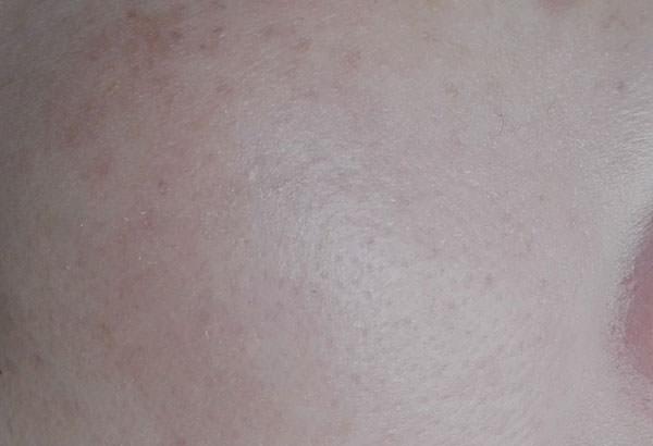 ビオレUVアクアリッチウォータリー エッセンスタイプを塗った後のお肌