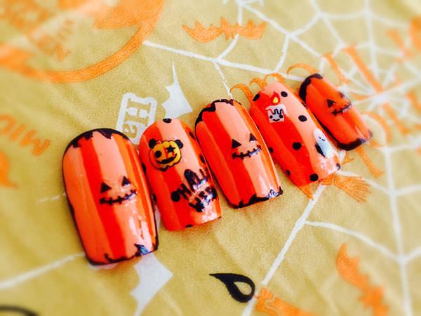 ハロウィンネイル×オレンジカラーでジャック(かぼちゃ)をイメージ