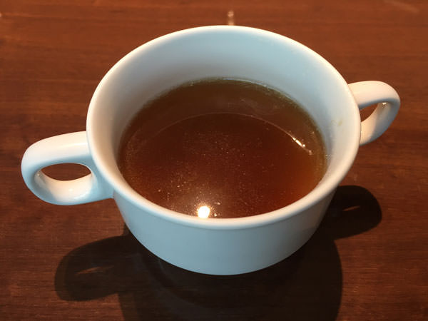 コートヤードマリオット銀座東武ホテルフィオーレのコンソメスープ