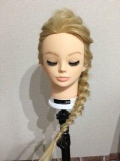 エルサの髪型を子供にやってあげる方法