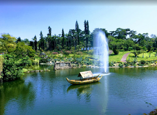 東南植物楽園 繁栄の湖