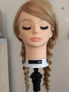 自分でアナの髪型にするのに適したヘアスタイル