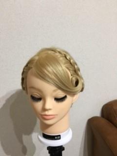アナの髪型をアレンジして着物に合うヘアスタイルにする